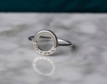 Name ring, infinity ring with words, personalized gift for her, personalised ring, circle ring - Luna