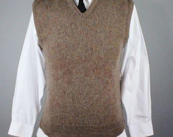 Mens Sweater Vest. Wool Sweater Vest. Brown Sweater. Pullover Sweater. Golf Sweater Vest. Vintage. Size Medium. GOGOVINTAGE