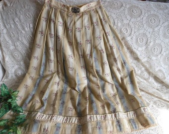 Alphorn Dirndl Skirt Ethnic Dance German Small Vintage at Quilted Nest