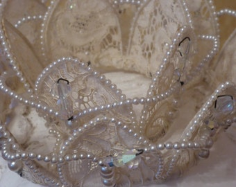 Vintage Crown Bridal Headpiece. Bridal veil crown. Beaded Bridal Crown.  Beaded Bridal headpiece. Princess headpiece. Ivory lace headpiece.