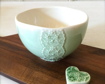 Green Porcelain Lace Bowl with Heart Cutlery Rest Set, Matcha Tea Bowl-Hideminy Lace Series