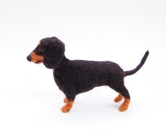 Needle Felted Dachshund Dog, Dachshund Gift, Dachshund Art, Dachshund Sculpture, Black Dog Needle Felted, Small Needle Felted Dogs