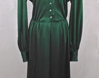 Vintage Handmade Emerald Green Long Sleeve Maxi Dress with Retro Wide Collar and Iridescent Button Closures to Front//XL 16-18