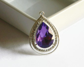 Sofia the First Amulet Rhinestone Pendant Princess For Bubble Necklaces Key Chain Zipper Pull Bubblegum Purple Jewelry Disney Ornament Charm