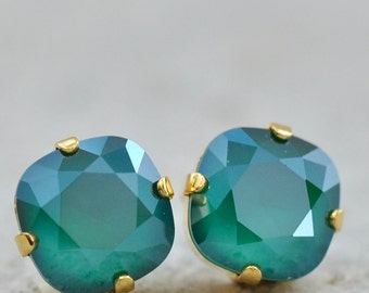 Emerald Stud Earrings Swarovski Crystal Emerald Studs Royal Green Clip on Leverback Emerald Bridesmaid Wedding Jewelry Bridal Studs Classic