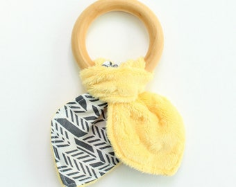 Wooden teether, wooden teething ring toy, krinkle toy, baby shower gift, gift for baby, yellow and gray, krinkle - ready to ship
