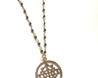 SRI YANTRA + Black Spinel chain link necklace