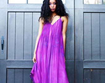 Made to order. Purple Gown in silk chiffon over a rayon lining. Elegant evening or wedding gown.