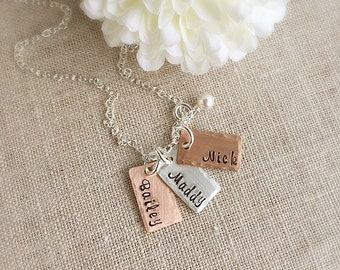 Name Necklace . Personalized Necklace . Mother Necklace . Gift for Mom . Engraved Jewelry . Handmade Jewelry . Custom Jewelry