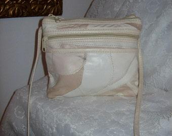 Vintage Ladies Off White Patchwork Leather Shoulder Bag Only 6 USD
