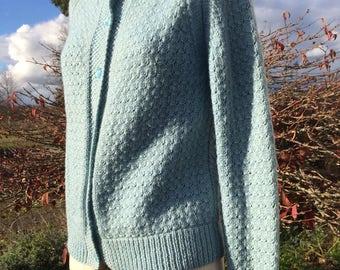 Handknit Sky Blue Cardigan M Wool - Pretty Diamond Shell Pattern - Raglan Sleeves