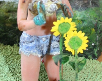 Gardener Girl ~ Early Spring?? :D 1/12 scale doll-house woman