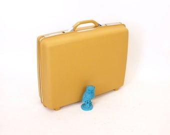 "Vintage 60s 70s mustard yellow harvest gold samsonite 21"" suitcase"