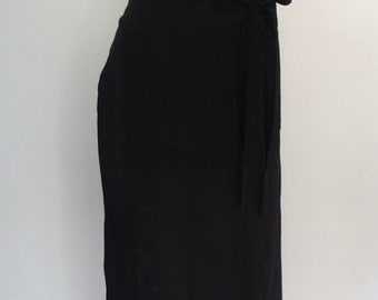 Black Linen Long Half Apron with Pockets and Extra Long Ties, Restaurant Server Apron, Long Waist Apron, Waitress Apron, Linen Apron