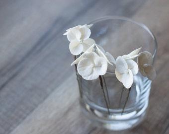 White flower hair pins - hydrangea hair pins - bridal hair pins - wedding flower pins - bridal flowers - hair flowers - wedding hair
