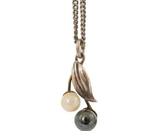 Castlecliff Black & White Pearl Necklace with Sterling Leaf and Chain