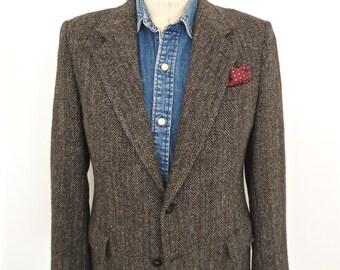 Harris Tweed Sport Coat with leather knot buttons / vintage Kuppenheimer gray herringbone wool suit jacket / men's large