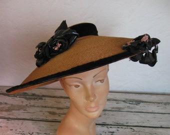 Vintage 1940's Wide Brimmed Sun Hat// Straw// Black Velvet// Black Flower