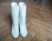 Vintage 70's vintage white furred leather  boots