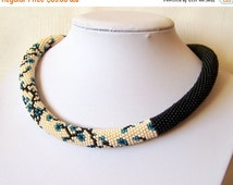 CHRISTMAS SALE Modern Blooming Flower necklace - Beaded crochet rope necklace - Handmade jewellery - Beadwork - Elegant necklace - forget me