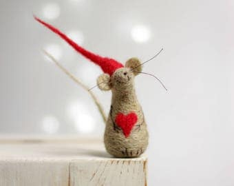 Needle Felted Mouse - Felt Mouse With A Red Hat And Heart - Mouse Elf - Art Doll - Mouse Home Decor - Needle Felt Animals - Handmade Mouse