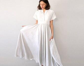 Bohemian Wedding Dress, White Maxi Dress, Alternative Wedding Dress, White Linen Dress, V Neck Dress, Boho Wedding Dress, Elegant Dress