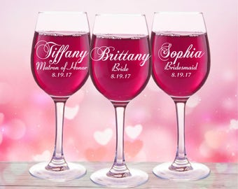4 Personalized Bridesmaid Gifts, Wine Glasses Bridal Party Gift, Bridal Shower Favor, Wedding Gift, Mother of the Bride, Mother of the Groom