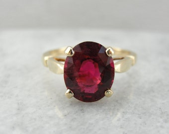 Rubellite Tourmaline Solitaire Ring in Yellow Gold VR0VQQ-D