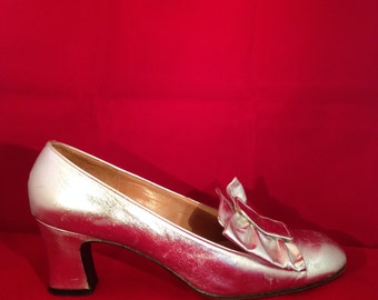 Vintage Leather Pumps - Silver w/ Bow - Rose and Rodden -  Made in Italy