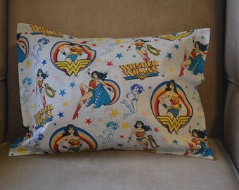 Travel Pillow Case / Child Pillow Case Super Hero WONDER WOMAN / DC Comics / Superman