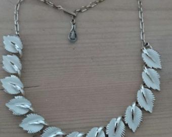 Vintage jewelcraft white enamel leaves necklace