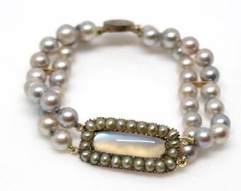 Georgian center Victorian strand bracelet 1810-1825 Pearls Moonstone clasp