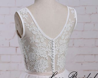A Line Short Wedding Dress with Nude Pink Underlay Knee Length Lace Wedding Dress with Scoop Neckline