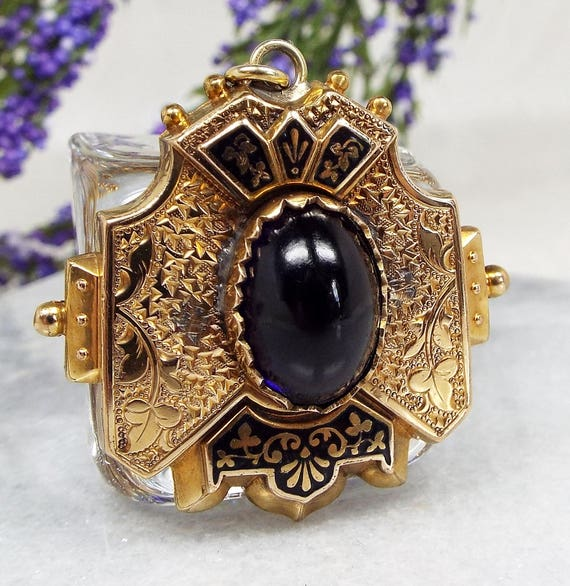 Antique / Victorian Edwardian Gold Ivy Leaf Enamel Glass Pendant Necklace Chain