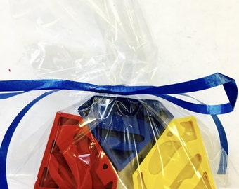5 sets of 3 Superman DC Comics  Super Hero Crayons Party Favors - Birthday Gift Bags