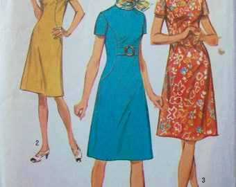 Vintage 1971 Dress Pattern Simplicity 9383 Size 12