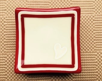 "Snack plates, set of four, vanilla cream and red, 4 1/4"" square"