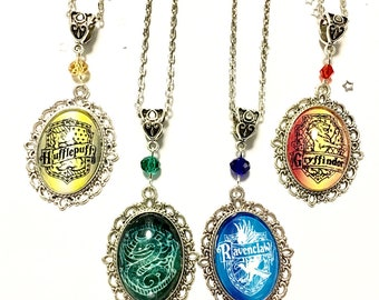 House crest pendant necklace *Harry Potter inspired* Ravenclaw Griffindor Slytherin Hufflepuff