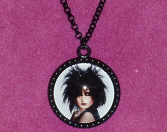 Siouxsie Sioux / Siouxsie and the Banshees Inspired Black Cameo Necklace