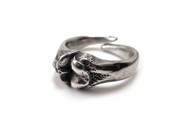 Tibia and Femur Ring in Pewter, Bone Ring, Medical Jewelry