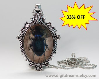Ma25: Dark Blue Beetle antique style pendant/keychain