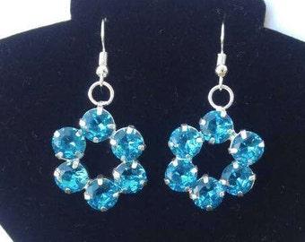 Blue Sparkles Flower Dangle Earrings, Drop Earrings, Turquoise Earrings Handmade Earrings, Handmade Jewelry, Handmade Dangle Earrings.