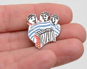 Musician pin, accordion, sailor lapel pin, lapel pin, enamel pin, brooch pin.