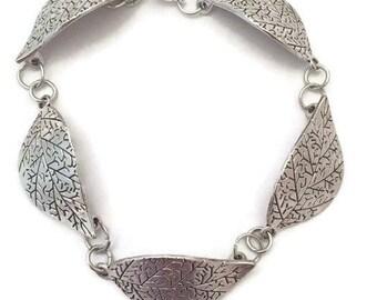 Leaf Link Bracelet- 7.5 inch Leaf Bracelet- Silver Plate with a Lobster Clasp- Silver Leaves Bracelet