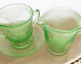 Federal green glass Georgian  cream and sugar