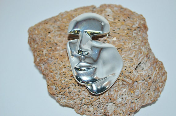 Brooch Silver Face, Abstract Face Pin, Vintage 1970's Abstract Face Brooch, Vintage Pins, Face Jewlery