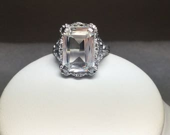 Art  Deco Ring White Topaz 10 Kt White Gold