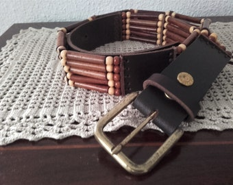 Belt leather and wooden beads ref : CT 161201