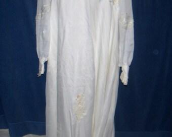 Vintage Wedding Dress (ivory color)