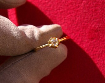 yellow gold diamond solitaire ring, rose-cut diamond, old cut, cut rose, early twentieth century, 1910-1920